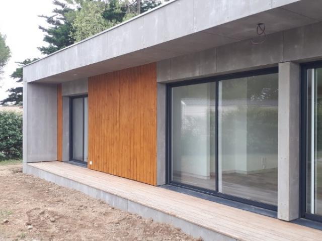 Construction d'une maison secondaire en bois